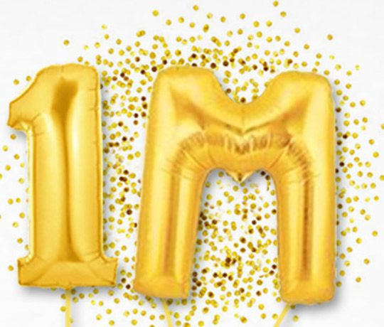 Numer one and letter M gold balloons thumbnail