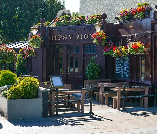 Exterior of Gipsy Moth Pub