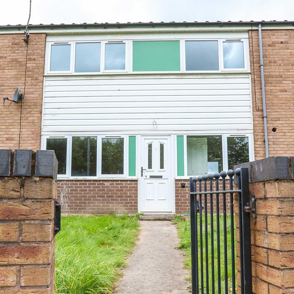 Void property in Wexham showing the garden gate entrance door