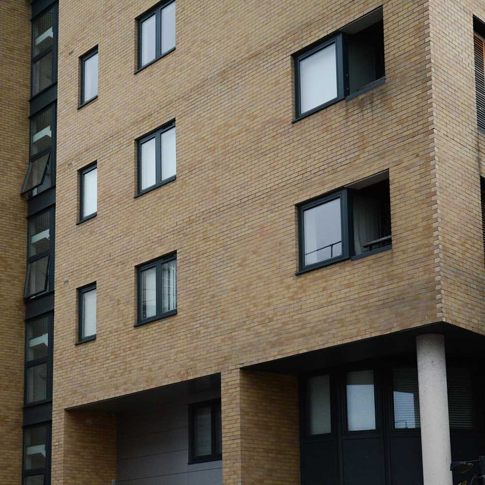 cladding-removal and replacement on housing block in central london